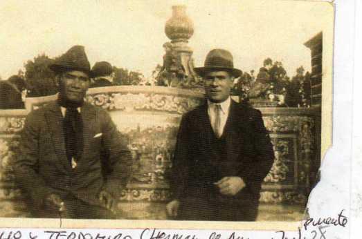 128 Amabilio y Teodomiro (hermanos de Aurora y Jose Puente) en Buenos Aires
