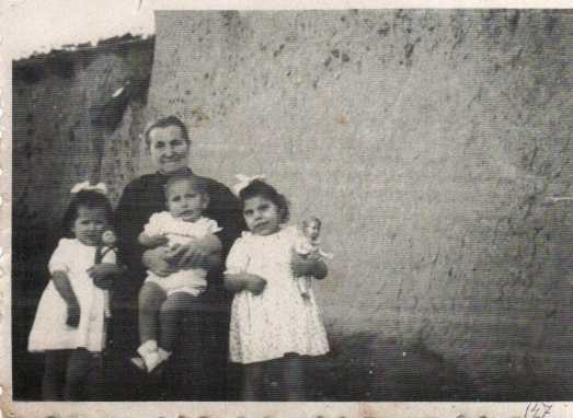 147 Amancia con Teresa,Angel y Canora