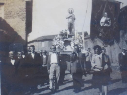 159 Procesion con German llevando a S. Isidro